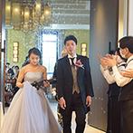 THE LANDMARK SQUARE OSAKA(ザ ランドマークスクエア オオサカ):リモート中継などあらゆる手段を用いて実現できた一日。新しい結婚式のカタチで、笑顔を引き出してくれた