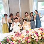 セントレジェンダ OKINAWA(CENTLEGENDA OKINAWA):どんな色にも染められる真っ白なパーティ会場を大人ピンクでアレンジ。高級食材を使った美食でおもてなし