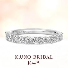 K.UNO BRIDAL(ケイウノ ブライダル):【ケイウノ】葉と実をイメージした連なるマーキスダイヤモンドのエタニティリング