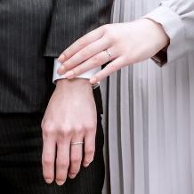 K.UNO BRIDAL(ケイウノ ブライダル):【リサータウェーブ】手に自然に馴染み、美しく魅せるウェーブタイプの結婚指輪