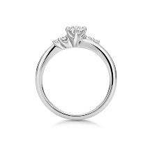 K.UNO BRIDAL(ケイウノ ブライダル):NEW【フィオリーレ】メレダイヤモンドをあしらった華やかなエンゲージリング