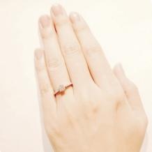 日本ダイヤモンド貿易:[0.3ct~]プティリュバン メレダイヤとミルグレインのラインが美しいデザイン
