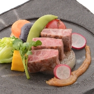 KKRホテル東京:「江戸の名工受賞」人気の和牛西京焼ほかミニ会席試食