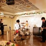 PartySpace COSMOS(コスモス):弊店ではライブ機材を常設しております。余興でライブの演奏が入れば盛り上がり間違いなしです!