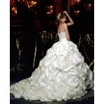 ウエディングドレス:愛ロイヤルウェディング セントラルパークタワー