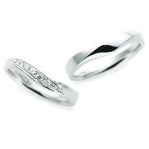 ジュエリー東京_【Something Blue】しっかりした太さがあり、指にフィットする結婚指輪