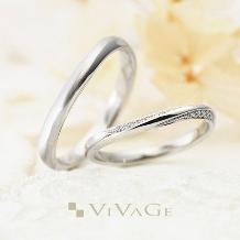 JEWEL SEVEN BRIDAL_螺旋のようにサイドを彩るダイヤが乙女心をくすぐるリング