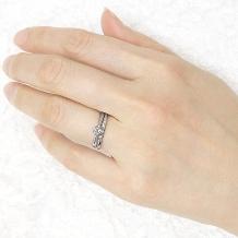 宝寿堂:【宝寿堂】シンプルストレートの中央にダイヤを5粒並べて《KM28/HD2462》