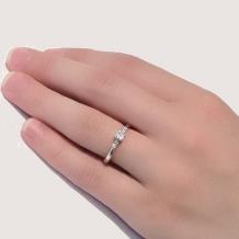 MAGGIORE アートダイヤモンド(マジョーレ):【マジョーレ】ゆるやかなウェーブでマリッジとの重ねづけもしやすいエンゲージリング