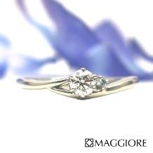 MAGGIORE アートダイヤモンド(マジョーレ):【マジョーレ】シンプルなリング×ブルーダイヤでこだわりを演出できるエンゲージ