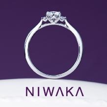 BROOCH_俄 「白鈴」(しろすず)婚約指輪 ~寄り添いほほ笑む 純白のすずらん~