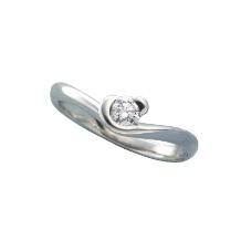 Sakai & Rose Vie(サカイ アンド ローズ ヴィ)_可愛いブランドNo1デザインの愛らしいハートフレーム型の婚約指輪