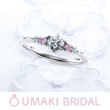 EYE JEWELRY UMAKI(アイジュエリー ウマキ):【KA24】左右2つずつのメレダイヤで華やかさをプラス