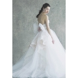 GRANMANIE (グランマニエ):【モモ】華やかに見せるロマンティックなドレス