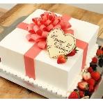 Casa Asteion(カーサ アスティオン):お二人の幸せが詰まったプレゼントボックスケーキ