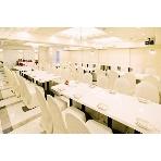 kobekan 名駅:3階フロアは、ホワイト基調の明るくて可愛らしい会場です!