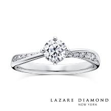 ラザール ダイヤモンド ブティック_悠久の時の流れを思わせる、華麗な曲線美。 きらめきに満ちた存在感が憧れを誘って。