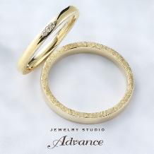 JEWELRY STUDIO Advance_【Advance】鍛造シリーズ『リング側面の槌目加工もこだわり』