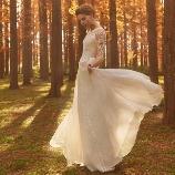 NOVARESE(ノバレーゼ)●ノバレーゼグループ:【インポート】さまざまな刺繍がほどこされたロマンティックスレンダードレス