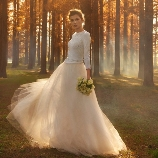 NOVARESE(ノバレーゼ)●ノバレーゼグループ:【インポート】春の柔らかな光を取り込む、シルクウールニットで洗練花嫁に