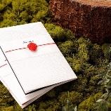 紙とDesign アズマドウ:《招待状》410円/厳選した上質和紙×職人手結び「あわじ結び」が素敵/壇紙