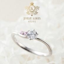 JEWELRY KAMATA story_可憐なカーブにダイヤモンドが煌めく婚約指輪