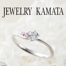 JEWELRY KAMATA(ジュエリーかまた)_可憐なカーブにダイヤモンドが煌めく婚約指輪