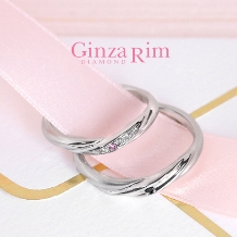 Ginza Rim/銀座リム:【銀座リム/レベッカ】自然なウエーブ&ピンクダイヤの女性らしいリング