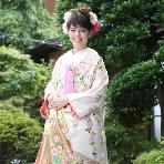 Bridal HIRO(ブライダル ヒロ):【HIRO】ホワイト×ピンク×ゴールドで愛されフェミニン和装!