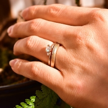 杢目金屋(もくめがねや):【杢目金屋】緩やかに流れるカーブが指にしっくりなじむ結婚指輪「恋風」