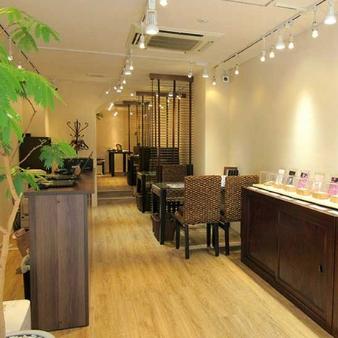 杢目金屋(もくめがねや):名古屋本店