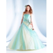 ドレス:Jurer Cara(ジュレカーラ)