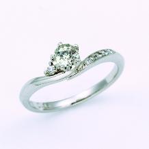 SERRURIA(セルリア)_【さくらダイヤモンド】ダイヤに咲く桜が花嫁を祝福
