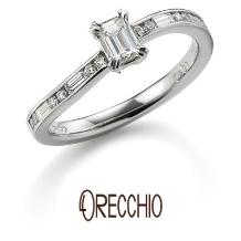 ORECCHIO(オレッキオ):サンダルウッド~S字の曲線の中に丸と四角のダイヤが流れるように留められた婚約指輪