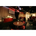 Cafe&Restaurant BONILLA:みんなの笑顔が見渡せます♪ステージの上では、余興も可能です♪