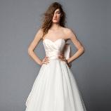 SUGISHIN:【世界中の花嫁を魅了☆ANTONIO RIVA】バックスタイルが生み出す輝き