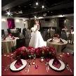 ウェディング&パーティ グレースバリ新宿店:レッドカーテンが高級感漂うおしゃれな会場