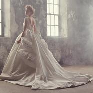 ドレス:桂由美フランチャイズ ブライダルハウス