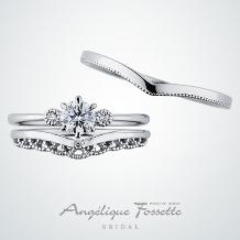 アンジェリック フォセッテ ブライダル:細身で華奢なデザインは手の小さい方や小柄な女性へもおすすめ♪重ね着けもしやすい!