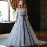 Bridal Salon TAKASAGOYA(高砂屋):新作!アースカラーの上品なカラードレス