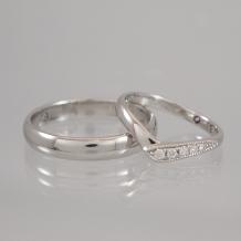 Lienjoux(リアンジュ)(旧アトリエヤマサン)_◆手作り結婚指輪◆指がキレイに見えるV字リング