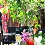 NaChura Resort Wedding(菜美ら):緑溢れるテラスがお店の入口