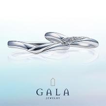 GALA JEWELRY_【GALA】シンプルなV字ライン。メレダイヤの可憐な煌めきがキュート♪
