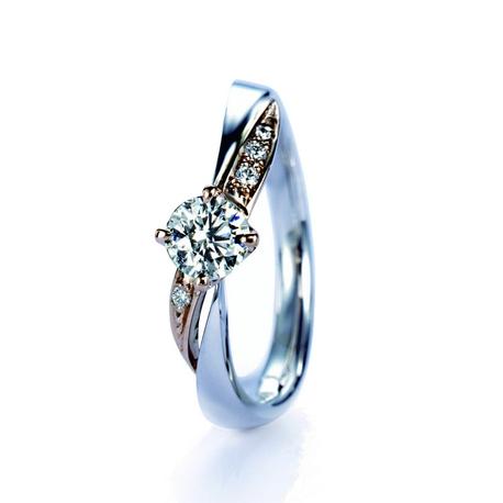 グレイスキタムラ -SINCE1896-:☆コンビリング1番人気 ~ダリア~ ☆ コンビの曲線美とダイヤの輝きが印象的!