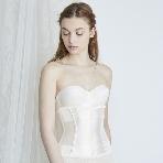 ドレス小物、インナー、ヘッドドレス、グローブ、アクセサリー:姿勢美容ブライダルインナー ザ・ディ本店
