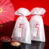 京の米老舗 八代目儀兵衛(きょうのこめろうほ はちだいめぎへえ):幸せを呼ぶ赤飯米・八穀米で 来賓方をお見送りするプチギフト「華かざり」