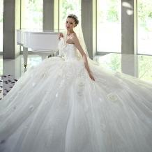 WEDDING BELL(ウェディングベル)のドレス情報