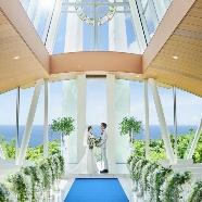ヒルトン小田原リゾート&スパ:日曜BIGフェア!海と緑の270度ガラス張りチャペル×無料試食