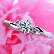 """博泉堂(はくせんどう/HAKUSENDO BRIDAL)_""""可愛い""""が大好きな女性に大人気☆ピンクダイヤの存在感が圧倒的な婚約指輪"""