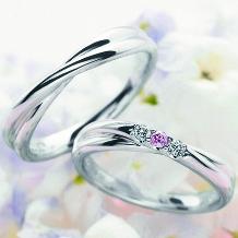 博泉堂(はくせんどう/HAKUSENDO BRIDAL)_【当店大人気結婚指輪】『結び*。』-ピンクダイヤ-「ふたりが手を繋ぐ様子」